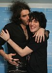 russel brand and noel fielding mEN CAN LOOK AMAZING IN MASCARA